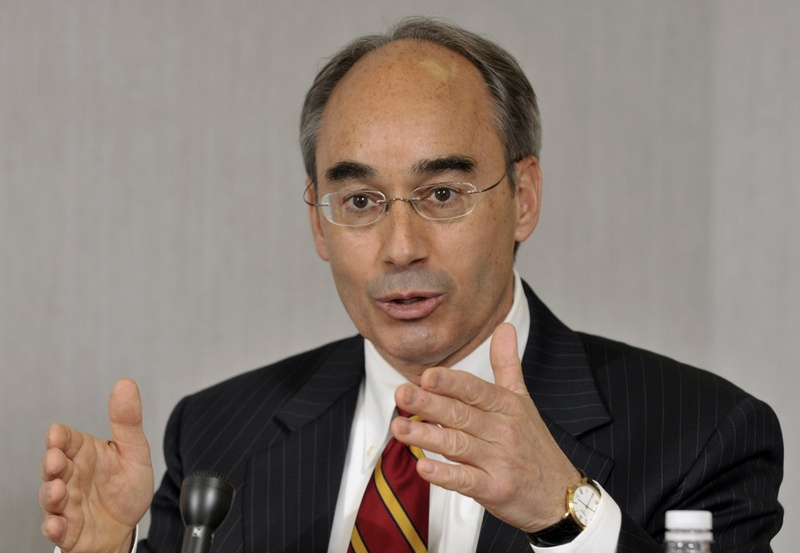 Constitutional questions focus on state treasurer Bruce Poliquin's business dealings
