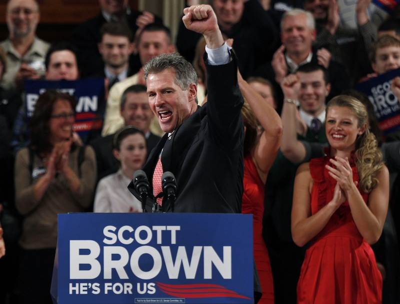 In this Jan. 19, 2012 file photo, then-Sen. Scott Brown, R-Mass., pumps his fist during his re-election campaign kick-off in Worcester, Mass. Brown saiud Wednesday, Aug. 21 that he won't run for governor of Massachusetts. (AP Photo/Charles Krupa, File)