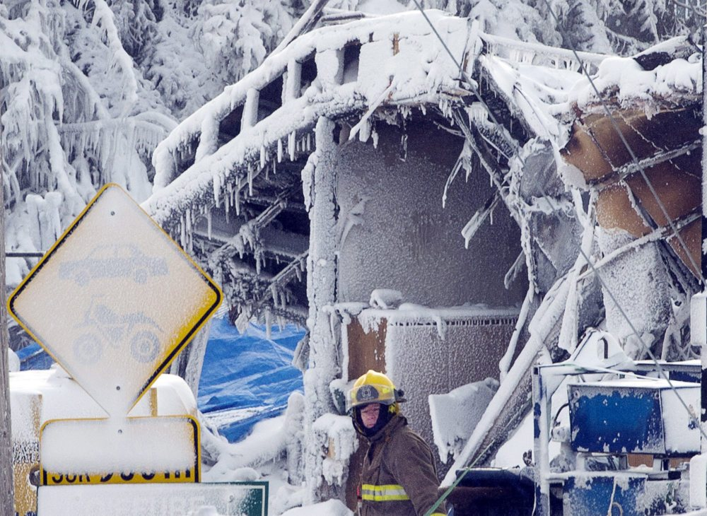 Emergency workers resume the search for victims Sunday from Thursday's fire at a seniors' residence in L'Isle-Verte, Quebec. Thirty-two people are feared dead.