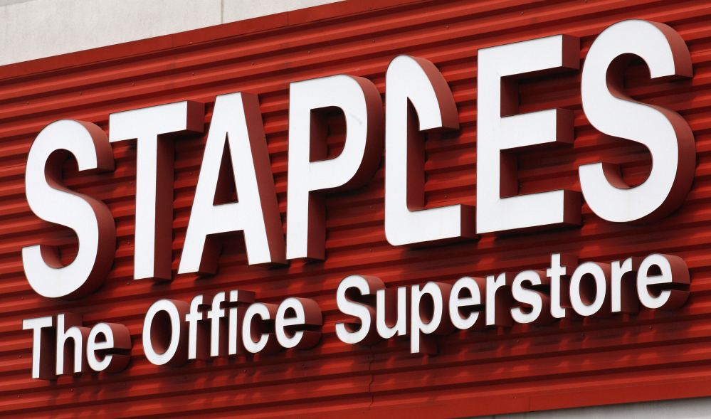 Staples says it will close 225 North American stores, about 10 percent of Staples Inc.'s worldwide total of 2,200, by the end of 2015.