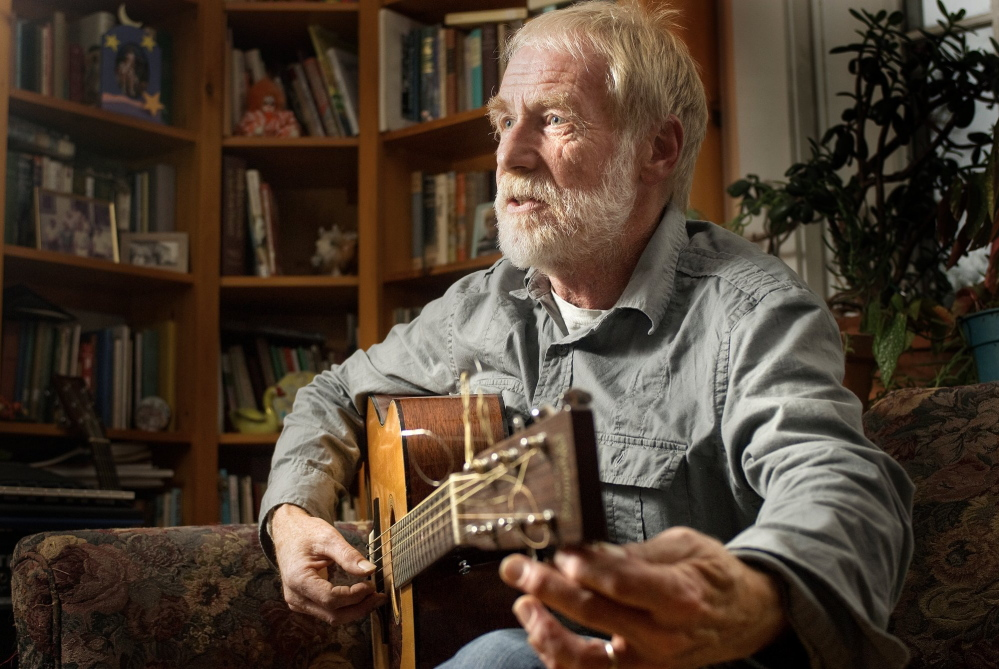 Singer/songwriter David Mallett will receive an honorary Doctor of Humane Letters degree from the University of Maine.