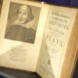 The Oxford University Press' new edition of Shakespeare's works will credit Christopher Marlowe as co-author of the three Henry VI plays.